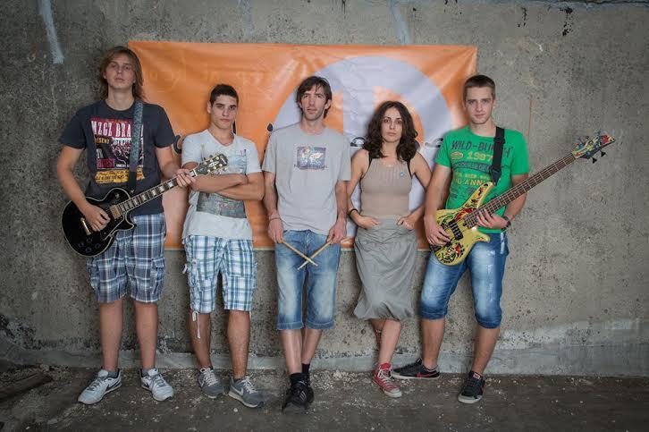 Novine-Rock in peace