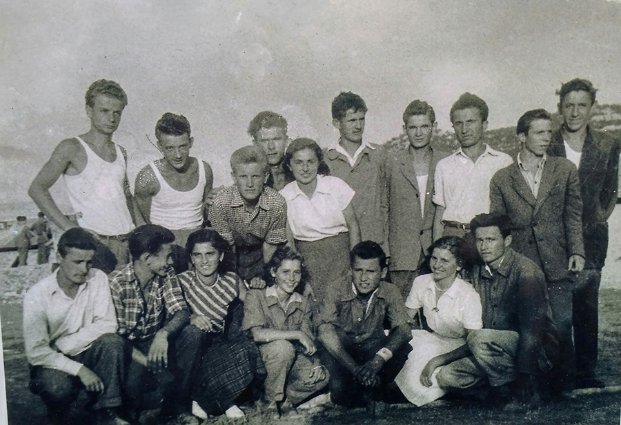 Novine-Zeljezara udarnici 1952 01