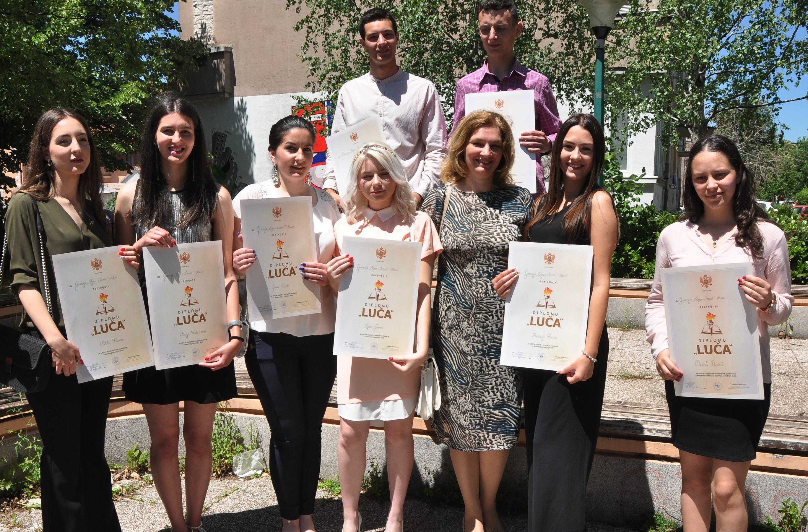 Gimnazijalcima dodijeljene diplome Luča