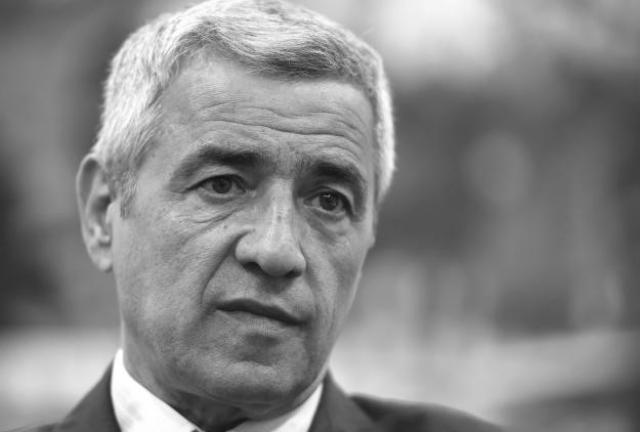 Ispraćaj Olivera Ivanovića - nepregledna kolona ljudi