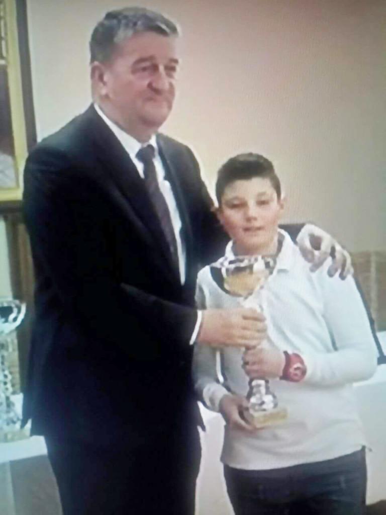 Novine-Petar Kasom (4)
