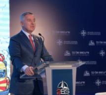 Đukanović: Nećemo klečati pred vratima EU, ni moliti da se otvore