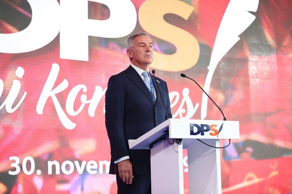 Đukanović sa Kongresa DPS-a: Moramo suzbiti osporavanje crnogorskog identiteta, imamo obavezu da obnovimo CPC