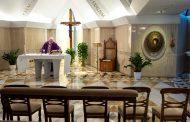 Papa Franjo održao prvu virtuelnu misu