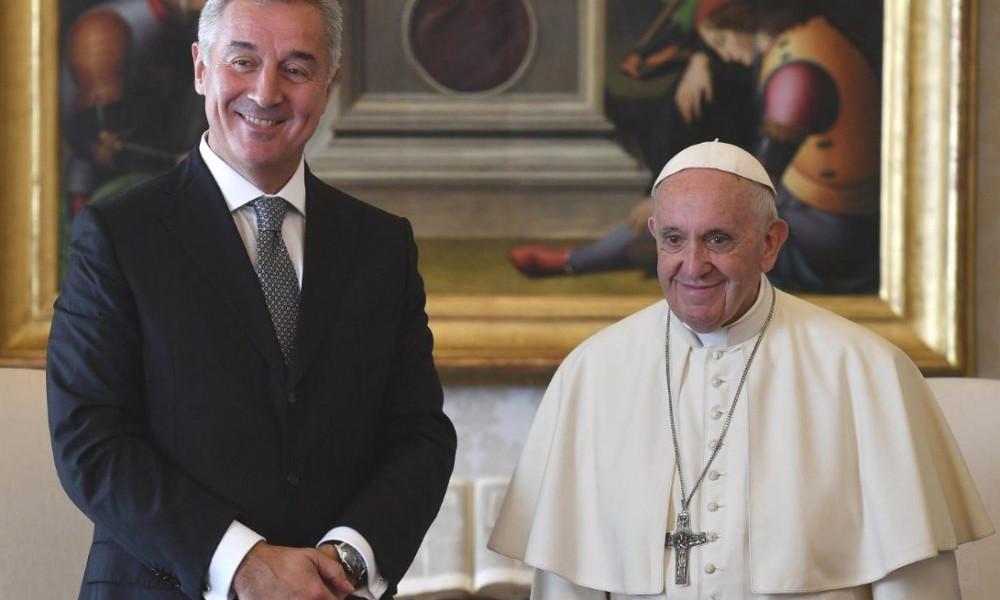 Papa Franjo čestitao Dan državnosti Đukanoviću