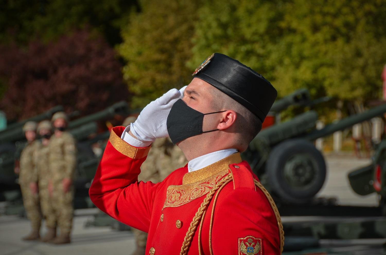 Vojska Crne Gore izvršila počasnu artiljerijsku paljbu