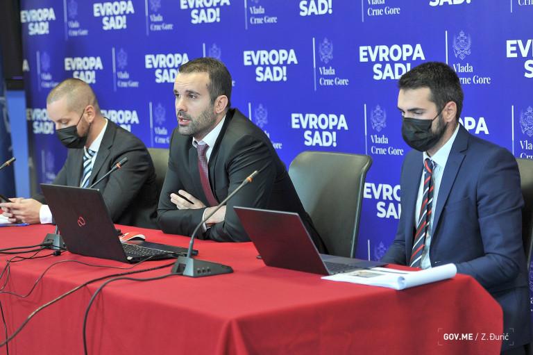 Spaić: Minimalna zarada 450 eura, povećanje plata 17 odsto, država preuzima finansiranje zdravstvenog osiguranja